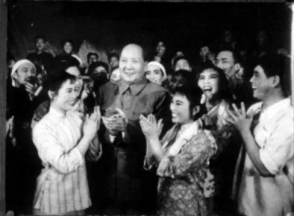"""57年前,毛主席对""""娱乐圈""""的严厉警告,实在英明!"""