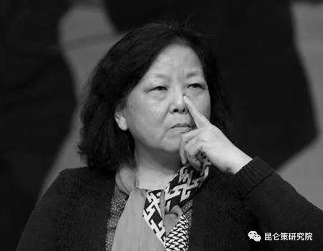 """尹国明丨标志性信号: """"大型翻车现场""""!方方们没有未来,只有失败!"""