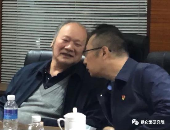 """胡澄:弘扬张思德精神,批判""""军队国家化""""谬论"""